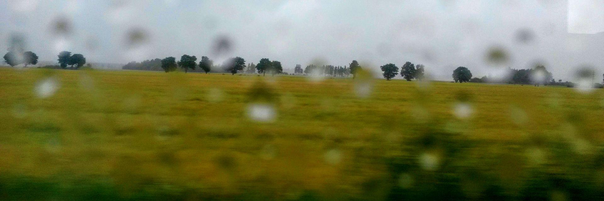 deszcz z pociągu